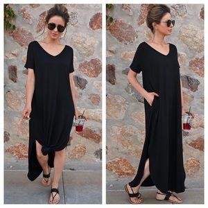 NWT Black Oversized Slit V-Neck Pocket Maxi Dress